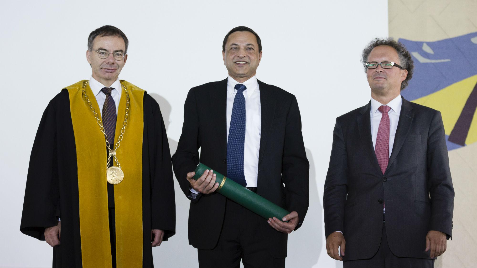 Ajaj Kohli Übergabe Ehrendoktor 2016
